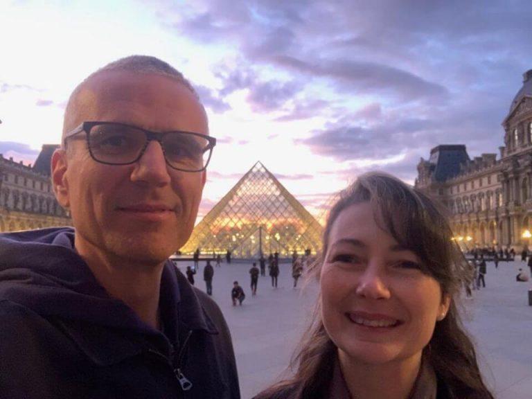 Photo des deux coachs et formateurs professionnels Loïc Delcros et Karine Guibert pour le programme leaders inspirés